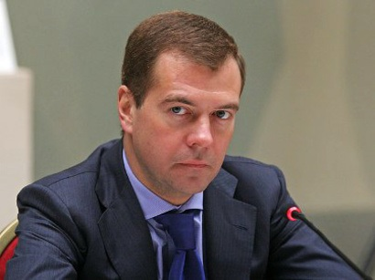 Медведев предложил Саргсяну обсудить предложения РФ по карабахскому урегули ...