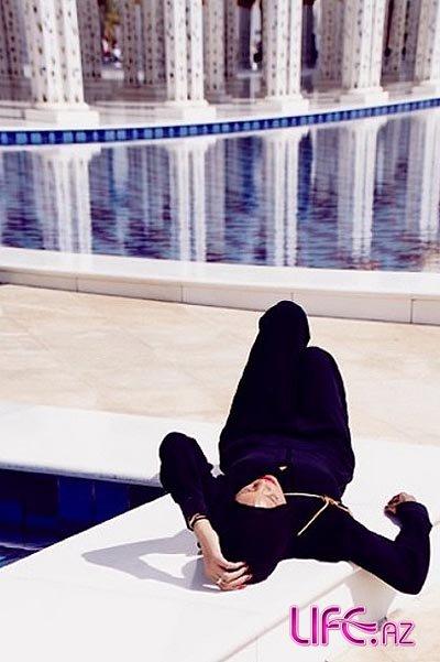 Рианна надела хиджаб [Фото]