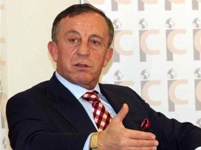 В Турции освобожден из-под ареста известный предприниматель, задержанный по делу о коррупционном скандале